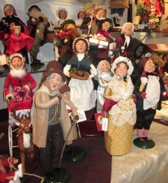 Byer's Choice Christmas Carolers